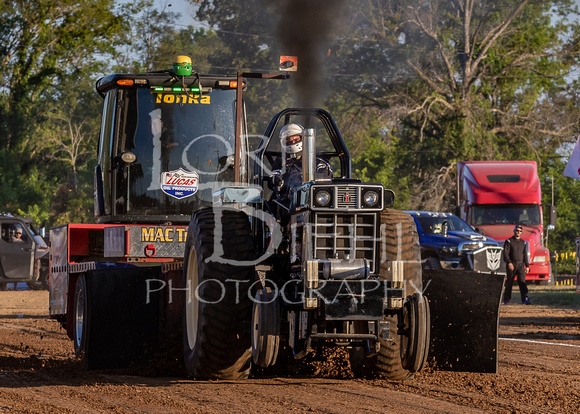 2019-07-12 Truck & Tractor Pull - LB-69